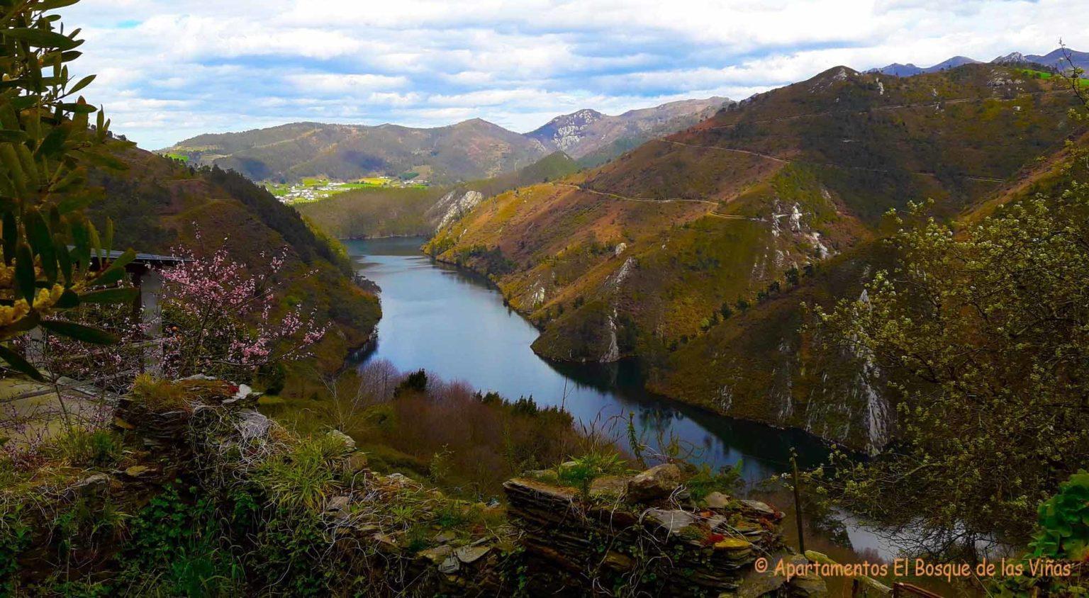 Valle del rió Navia en Asturias